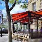 フランス、パリ。ステキなカフェ。