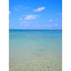 沖縄県、残波岬ビーチ。 本当にきれいでとてもびっくりました。 砂も白くて、海の青さとのコントラストが最高でした。 こちらもちろん無加工です。   #残波岬ビーチ