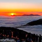 一生に一度は見たい絶景と言われる星野リゾート・トマムの雲海テラスから見る雲海。9~10月は貴重なご来光を拝むこともできます!9月は4:30からサンライズゴンドラが運行しているので、ぜひチャレンジしてみてください!#北海道 #トマム #星野リゾート #雲海テラス