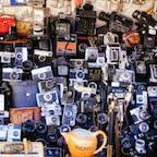 モロッコ、マラケシュのバザール。 カメラ屋さん。