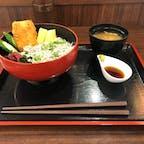 古賀SA(上り線)にて、 昼食にシラスとアジフライ丼