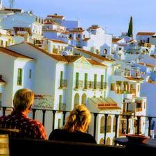 スペイン、フリヒリアナの白い家たち。