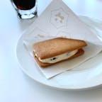 ロッカフェでは、出来たてのマルセイバターサンドを食べる事が出来ます。 サクサクですごく美味しかったです。 他にも、ロッカフェ限定メニューが色々あります。  #北海道 #中札内