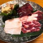 #和歌山#紀伊勝浦 #和歌山グルメ #鯨の盛り合わせ #いちりん  臭みがなく、とても新鮮(^^) 本マグロの料理も沢山ありました。 漁港近くなのでどれも新鮮で美味しかったです。