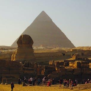 【エジプト/カイロ】 ギザのピラミッドとスフィンクス。夕日がかった景色が綺麗だった。