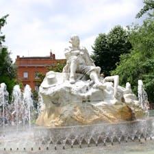 フランス、トゥールーズの噴水。