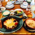 2020.7.30.軽井沢プリンスホテル 長野県  朝食バイキングは現在中止。 でもボリューム満点で蜂蜜とジャムも一卓分ついてました∩^ω^∩
