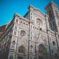 イタリア・フィレンツェの花の大聖堂⚜ どの角度からみても美しい。 鐘の音が聴こえてきそう。。