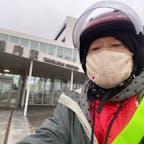 稚内駅の前で自撮りです。しかし世間は真夏ですが北海道は寒すぎ! 日本最北端のJR駅  #サント船長の写真 #最南端最北端 #北海道 #JR駅巡り #何でも日本一 #日本最端シリーズ