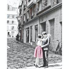 フランス、パリの街中でのひとコマ。