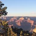 【アメリカ/グランドキャニオン】 朝日を見ながらのグランドキャニオン。陽が当たり始めるグランドキャニオンはとても幻想的。