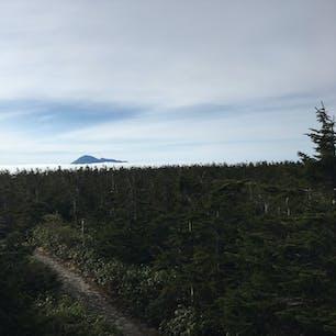八幡平/岩手・秋田 雲にかかる前に登れたので綺麗な雲海を観れました