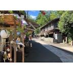 深大寺の参道。東京にいながらちょっとした旅気分が味わえます。