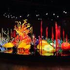 こちらもガラスアート。周囲をぐるっと360°周りながら鑑賞できます。それぞれのモチーフの造詣が美しくてひとつひとつに釘付け👀 #富山市ガラス美術館