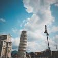 イタリア・ピサ ピサの斜塔 結構傾いてる