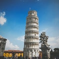 イタリア・ピサ ピサの斜塔 大きいような小さいような鐘楼