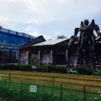 高雄には古い倉庫を再利用した芸術村が有りました。