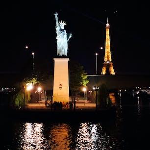 パリの自由の女神