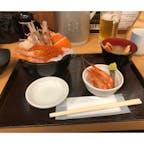 メニューの五色丼と昼ビール