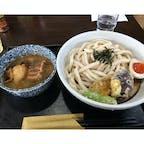 武蔵野うどん真打 「極」肉汁 つけ汁に豚の角煮が入っています。
