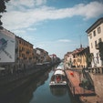イタリア・ミラノ  ナヴィリオ運河 お散歩に最適、気持ち〜
