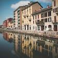 イタリア・ミラノ  ナヴィリオ運河 建物の色合いがかわいい