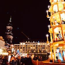 世界最古のクリスマスマーケットは、ここドレスデンだったとか。