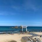 ⋆⸜ 桜井二見ヶ浦の夫婦岩 ⸝⋆  人気の観光スポット📸 この海岸沿いにお洒落な 可愛いcafeが沢山あります ☕️♡  福岡の沖縄のような リゾート溢れる場所🏝🤙🏻  #福岡#糸島