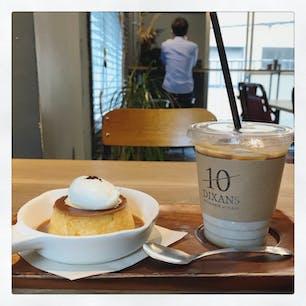 DIXANS 神保町  プリンが美味しいカフェ。 雰囲気も良いしゆっくり過ごせる〜