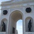 カザフスタン 首都アスタナ(ヌルスルタン) カザフスタンの歴史を様々な建物で表現しています。