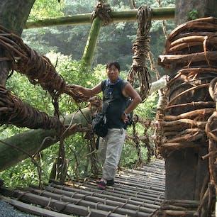 祖谷のかずら橋(平成) コレは20年前の写真ですね。 オイラも若い🤗 令和2年10月14日の写真と比べ下さいね。  #四国 #全国橋巡り #サント船長の写真