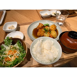 MUJI Diner 銀座🍴  健康的なご飯が美味しい✨ 量が多いのでしっかり食べたい時にオススメ。