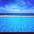 ダナンのMelia Danang Beach Resortの砂浜へ続くインフィニティプール