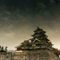 松本城/長野 (池に写った鏡の城です)
