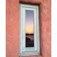 冬場は英虞湾の朝焼けが綺麗に見えます。 敷地内レストランの窓に映った朝焼け