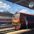 フワランポーン駅に入線する機関車 客車とガッチャンコして国内に出発する。
