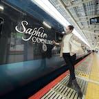 豪華列車🚈💎サフィール踊り子に乗って伊豆下田の旅へ。 車内はとってもゴージャス✨ カフェテリアでヌードルをいただき地ビールを飲みながら優雅な旅のはじまりです。