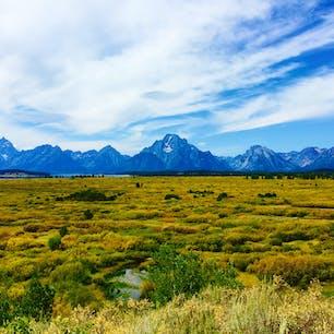 📍 Grand Teton National Park, Wyoming アメリカのワイオミング州にあるグランドティトン国立公園。 この景色を見ながらのランチが最高だった!