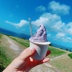 石垣島、ミルミル本舗。 青い空、青い海に紅芋&島豆腐ジェラートです✨