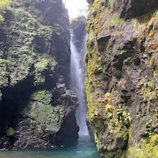 轟の滝(轟九十九滝) 徳島県  神秘的な滝で神々しく感じました。 行くまでの運転がとても大変。。