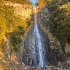 那智滝(和歌山県)  人混みを懸念して、早朝に行きました。もう少し近くで観たかったです…