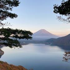 千円札の裏の富士山。中の倉峠から。