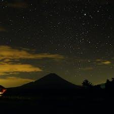 富士山と星空。