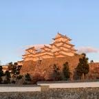 夕日に照らされる姫路城
