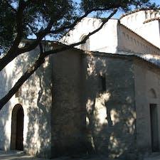 アンコーナの近郊ポルトノーヴォにある小さな聖マリア聖堂 ロマネスク建築が好きな方にお勧め この辺りはコーネロ海岸という景勝地