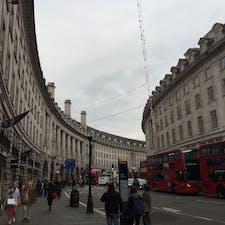 ロンドン。ピカデリーサーカス。