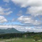 北海道 有珠山SA  左が有珠山 右が昭和新山
