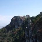 シチリアのエーリチェ 岩山の上にある小さな街 先っぽの城砦までこの後行きました