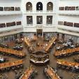State library of Victoria (🇦🇺)  こんなおっきくて吹き抜けの素敵な空間なかなかない📚🌿! 地元の方たちが勉強してる中観光客はみんな写真撮りまくり、、🙇🏻♂️