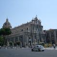 シチリア カターニア大聖堂 エトナ山の溶岩で造られた